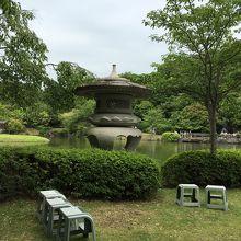 雰囲気のある池。