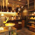 小田原城観光の後におススメ 神社境内にある素敵なオープンカフェです。