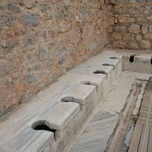 古代ローマの公衆トイレ