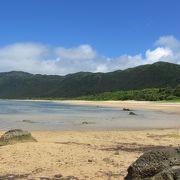 広く長いビーチ