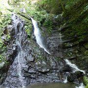 奥にある滝が気持ち良かったです!