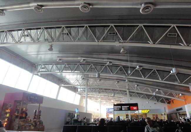 ドン ミゲル イダルゴ イ コスティージャ国際空港 (GDL)