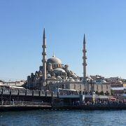 ガラタ橋そばのモスク