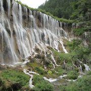 大きな滝です