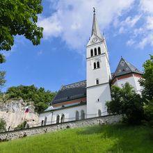 教会の全景