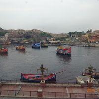 朝・・・窓から船の走行テストが見えました。ゴンドラの練習もや