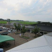 展望台から見た道の駅、広いです