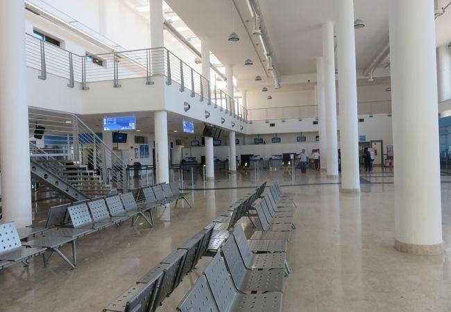 ランペドゥーザ空港 (LMP)