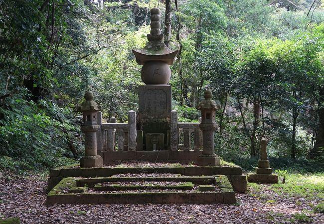 米子城主、中村一忠の墓所があるお寺