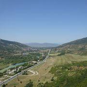 トビリシ近郊の落ち着いた町