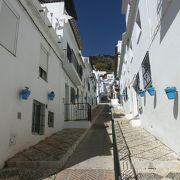 ミハスで最も美しい白い通り