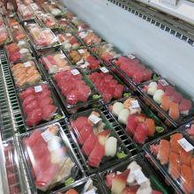 お寿司コーナー、お刺身が大きい