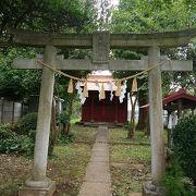 海隣寺のとなりにあります。
