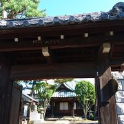 江戸城から移築した山門
