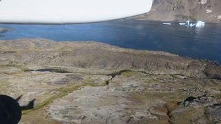 グリーンランド東部のクルサック島の飛行場