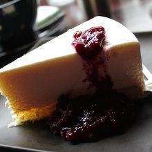 有名なレアチーズケーキ(780円)