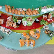 お寿司はこちらにもありますが…