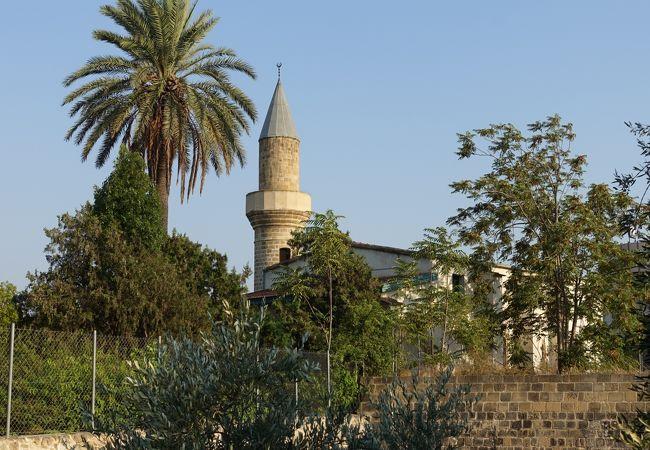 バイラクタル モスク