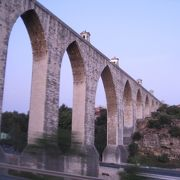1748年竣工のアグアス・リヴレス水道橋