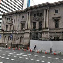 ファミリアホール (旧三菱銀行神戸支店)