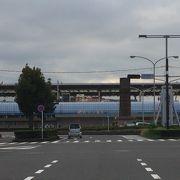所謂、地方の新幹線の新〇〇駅みたいなもの