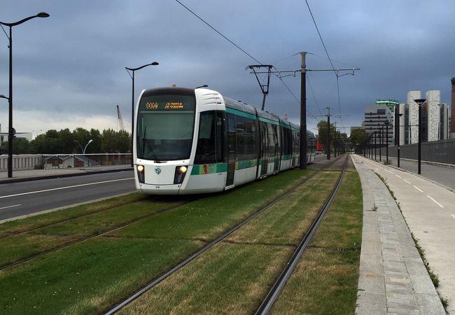 メトロ・バスとの共通切符ticket t+で乗ることができ、トラム~バスの乗り換えも可。