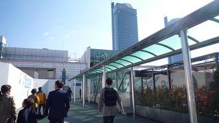 KTXでソウルまで1時間、駅は綺麗です。