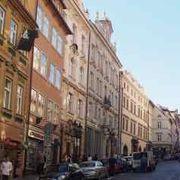 プラハ城へ続く道