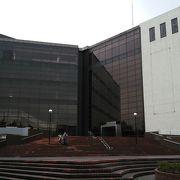 大きなホールです