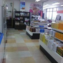 愛媛のお土産物はここで買うことが出来ます。
