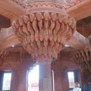ヒンドゥー教とイスラム教が融合したお城