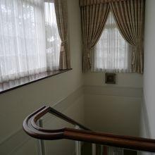 洋館二階から見た階段