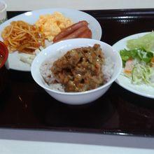 朝食バイキング、雑穀米がありました。
