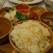 シンガポール料理を食べに