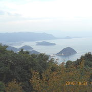 瀬戸内海の多島美を見るために紫雲出山(しうでやま)に。