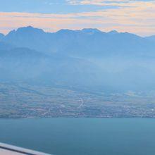 富山空港に着陸間際の日本海から見た立山連峰です。
