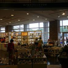 瀬戸蔵の一階にある陶磁器の販売所
