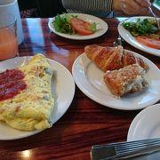 モノレールで行く朝食専門ビュッフェ
