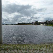 市庁舎なら見たチョルトニン湖