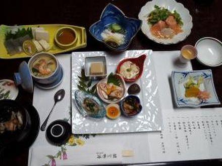 奥秩父 谷津川館 写真
