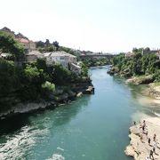 モスタルを流れるネレトヴァ川
