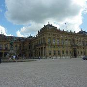 18世紀に要塞から宮殿に移った司教の館