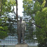 「大阪の父」と呼ばれた市長の像です☆