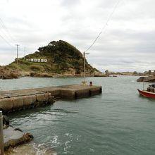 これが仁右衛門島です