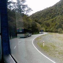 こんなバスに5時間乗りました。