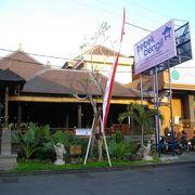ハノマン通り交差点近くのアヒル料理のお店。