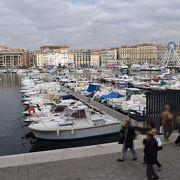 漁港というよりもヨットマリーナという雰囲気です