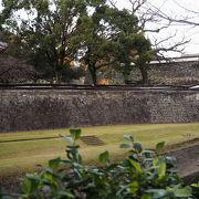 復旧が待たれる熊本城の長塀