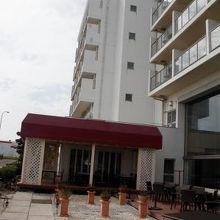 ホテルの海側
