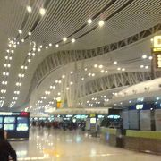 長沙南駅からモノレールが出ています。
